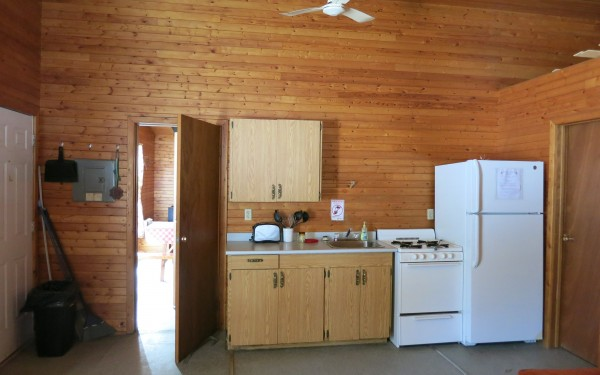 Cabin 4B kitchen